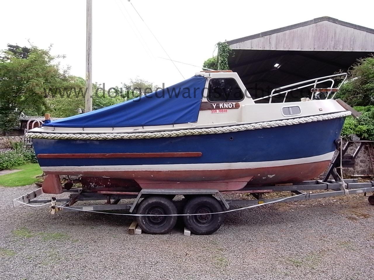 Romany 21 Fishing Boat Image