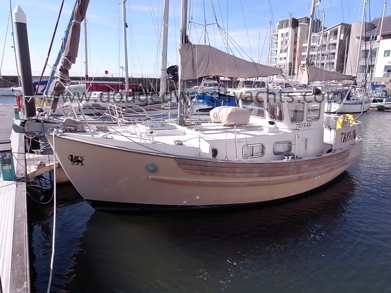 Fisher 25 Motor Sailer Image
